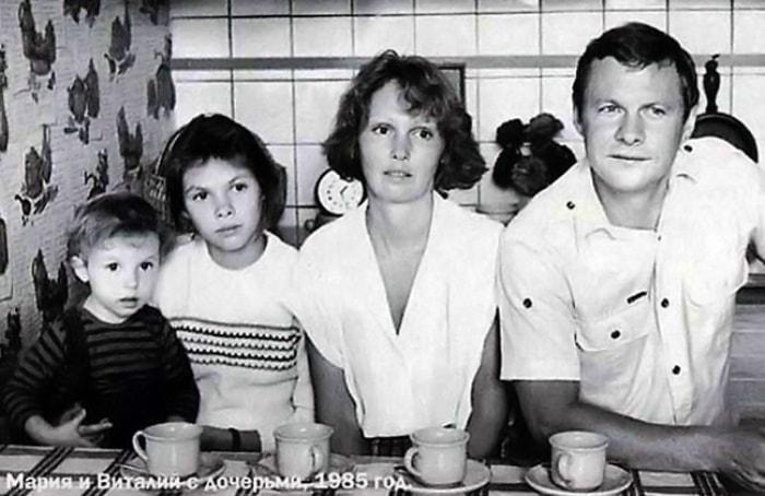 Виталий Соломин с семьей, 1985   Фото: kino-teatr.ru