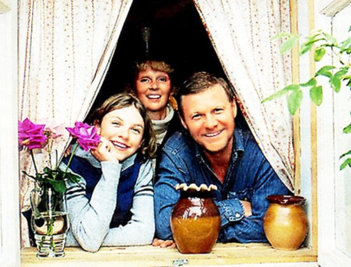 Виталий Соломин с семьей   Фото: vokrug.tv