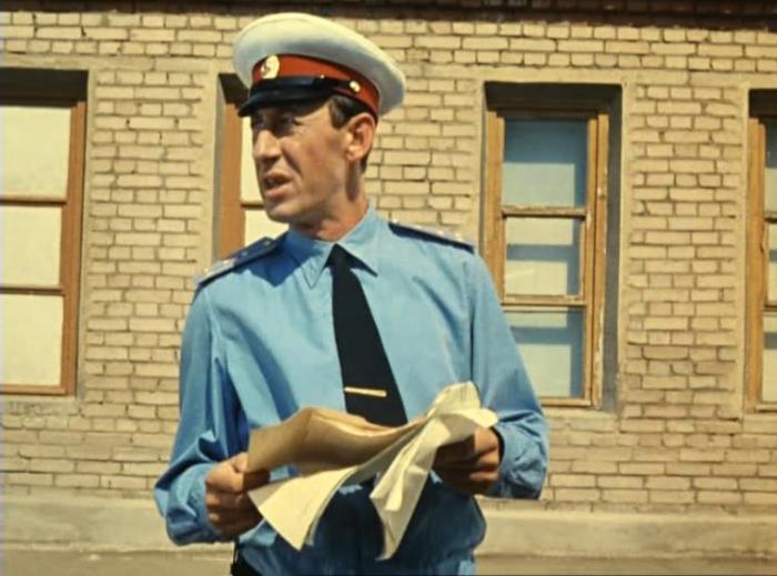 Владимир Басов в фильме *Операция *Ы* и другие приключения Шурика*, 1965 | Фото: kino-teatr.ru