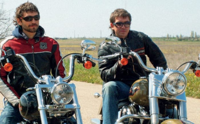 Братья Кристовские на съемках клипа *В городе лето*, 2007 | Фото: interviewmg.ru