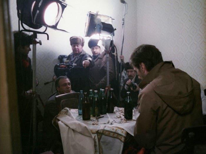 На съемках фильма *Москва слезам не верит* | Фото: izbrannoe.com
