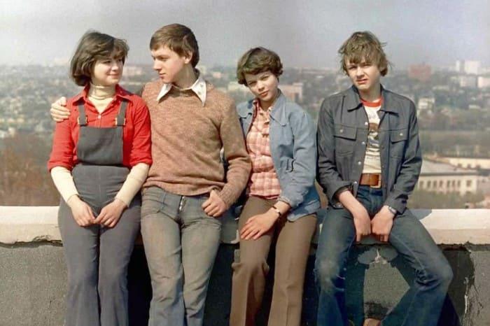 Владимир Шевельков (справа) в своей дебютной кинороли, 1979 | Фото: starhit.ru