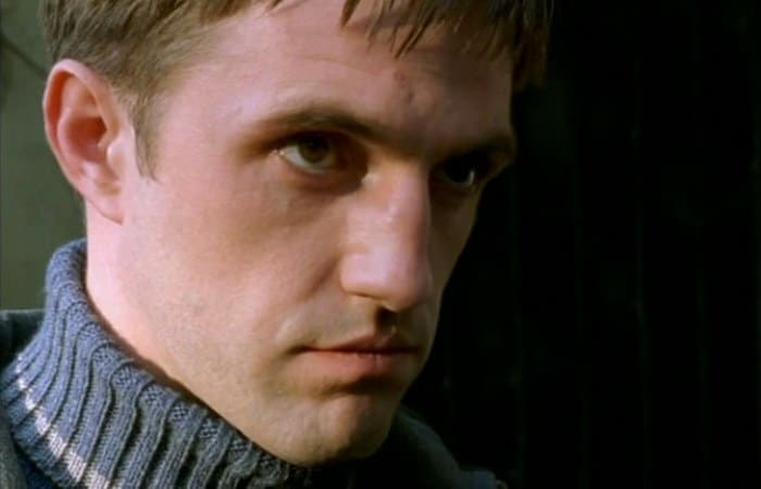 Владимир Вдовиченков в сериале *Бригада*, 2002   Фото: kino-teatr.ru