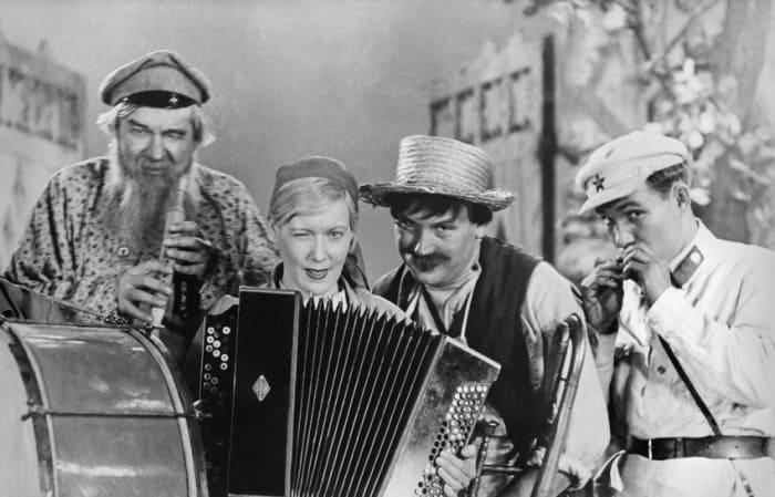 Кадр из фильма *Волга-Волга*, 1938 | Фото: domkino.tv