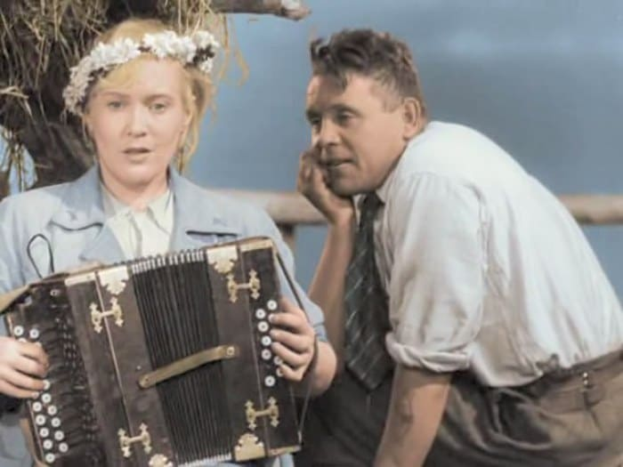 Кадр из фильма *Волга-Волга*, 1938   Фото: kino-teatr.ru
