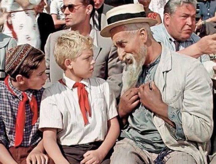 Кадр из фильма *Старик Хоттабыч*, 1956 | Фото: fcw.su