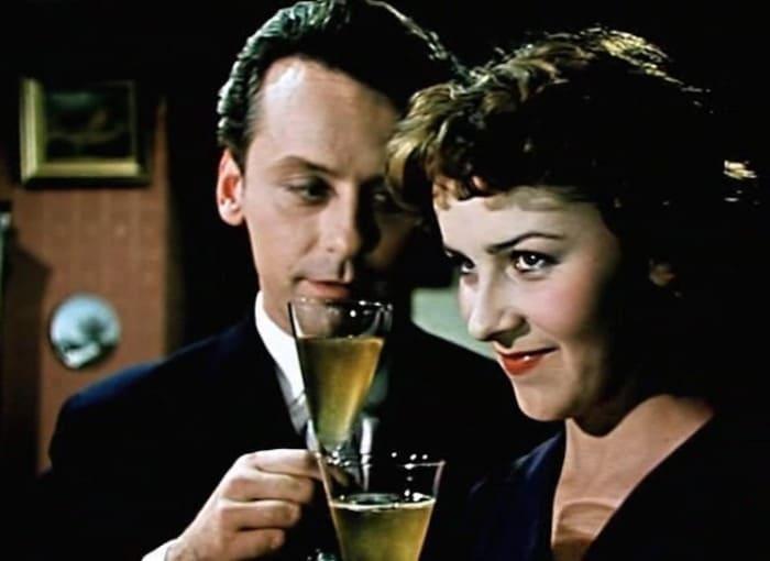 Кадр из фильма *Сверстницы*, 1959 | Фото: ygashae-zvezdu.livejournal.com