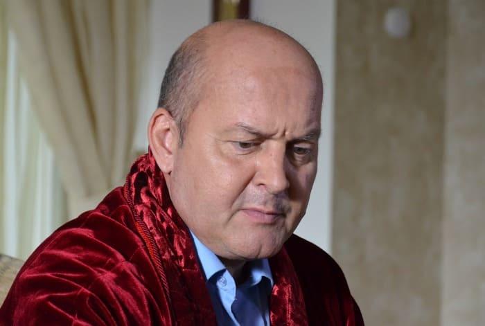 Вячеслав Гришечкин в сериале *Три королевы*, 2016 | Фото: kino-teatr.ru