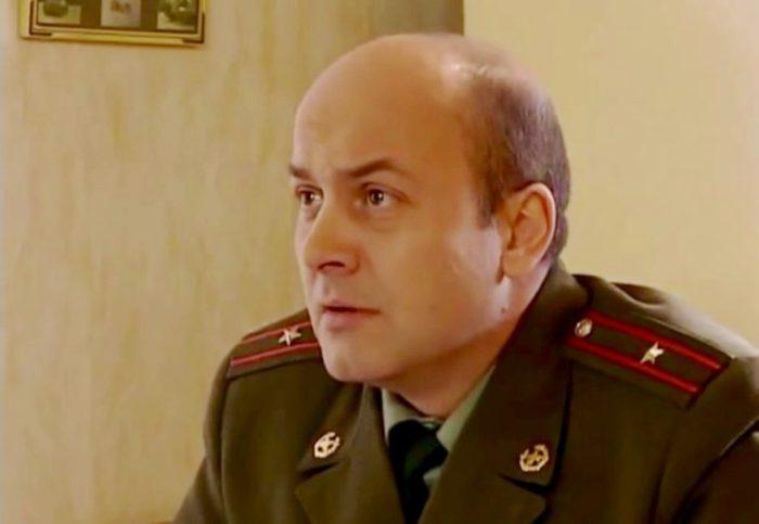 Вячеслав Гришечкин в сериале *Солдаты*, 2004 | Фото: biographe.ru