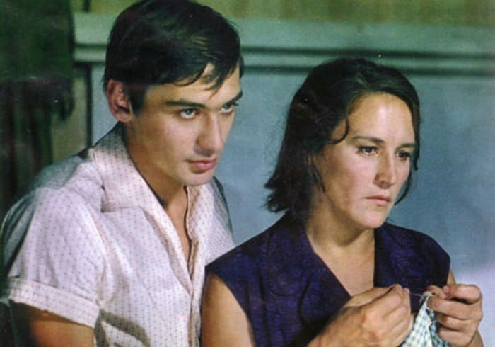 Владимир Тихонов с матерью, Нонной Мордюковой | Фото: kino-teatr.ru