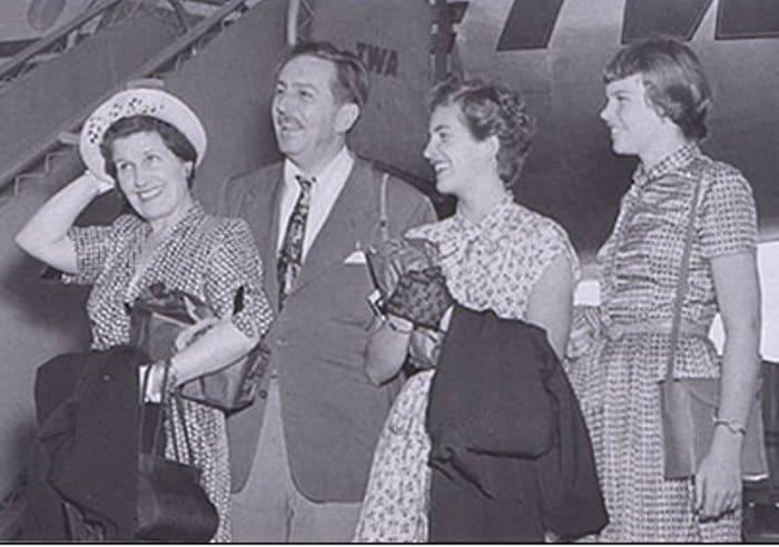 Знаменитый мультипликатор со своей семьей | Фото: liveinternet.ru