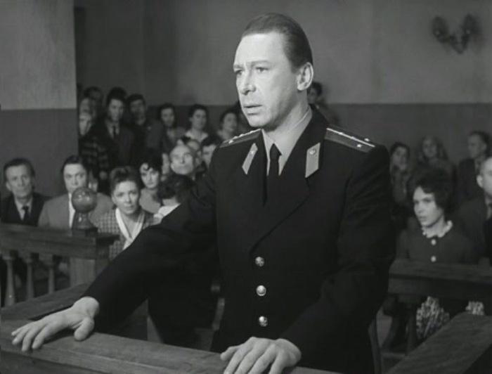 Олег Ефремов в фильме *Берегись автомобиля*, 1966 | Фото: kino-teatr.ru