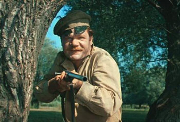 М. Пуговкин в комедии *Свадьба в Малиновке*, 1967 | Фото: subscribe.ru