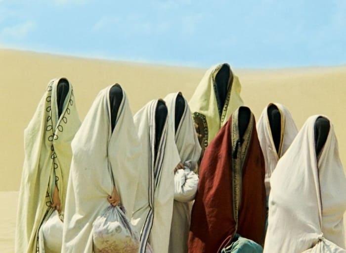 Под паранджой в некоторых эпизодах скрывались… солдаты | Фото: domkino.tv