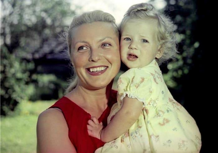 Актриса с дочерью | Фото: kino-teatr.ru