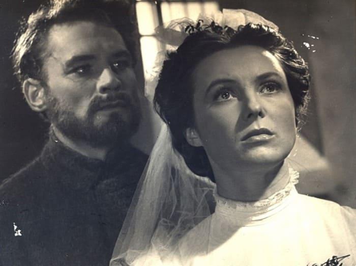 Вия Артмане в фильме *За лебединой стаей облаков*, 1956 | Фото: kino-teatr.ru