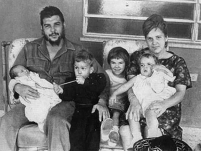 Команданте и Алеида Марч с детьми | Фото: liveinternet.ru