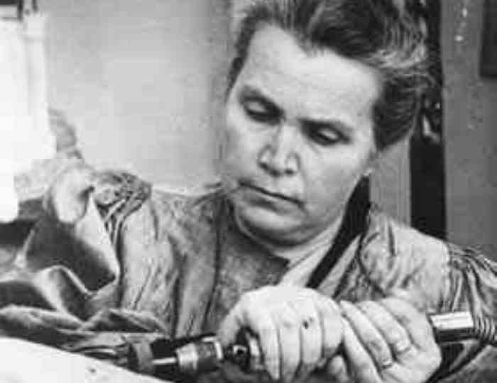 Вера Мухина в мастерской, 1940-е гг.   Фото: vokrugsveta.ru