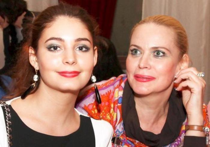 Алена Яковлева с дочерью, Марией Козаковой | Фото: 2aktera.ru