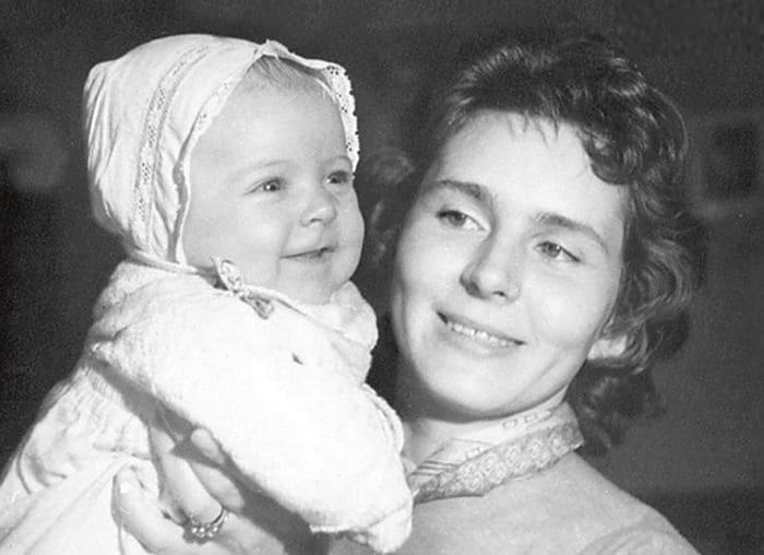 Кира Мачульская с дочерью Аленой | Фото: fb.ru