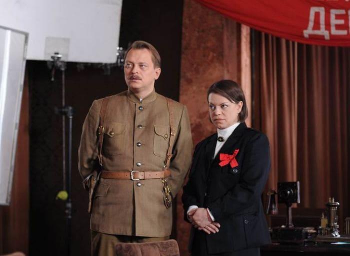 Кадр из сериала *Жизнь и приключения Мишки Япончика*, 2011 | Фото: kino-teatr.ru
