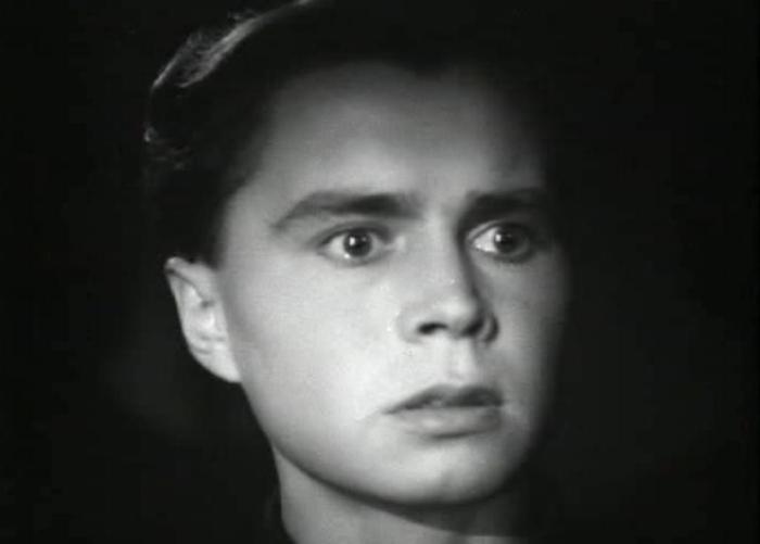Владимир Иванов в роли Олега Кошевого | Фото: kino-teatr.ru