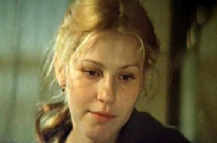 Анна Каменкова в роли Мани Стрельцовой | Фото: kino-teatr.ru