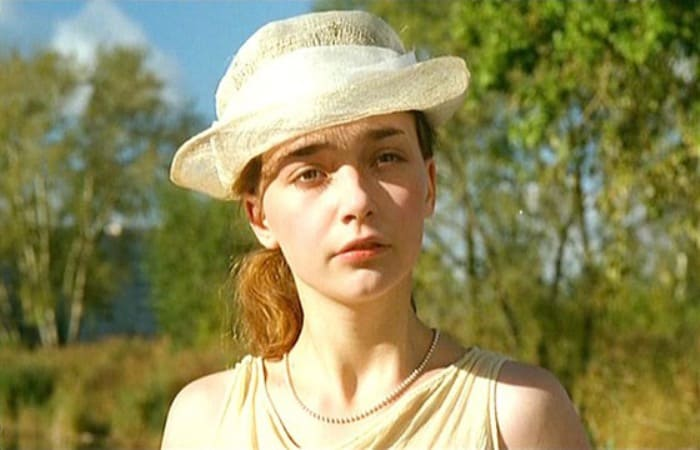 Юлия Маврина в фильме *Письма к Эльзе*, 2002 | Фото: kino-teatr.ru