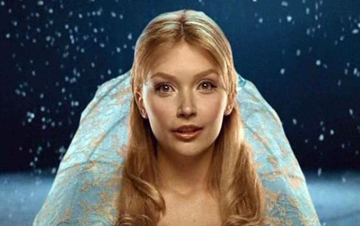 Юлия Маврина в роли Золушки, 2002 | Фото: nastroy.net