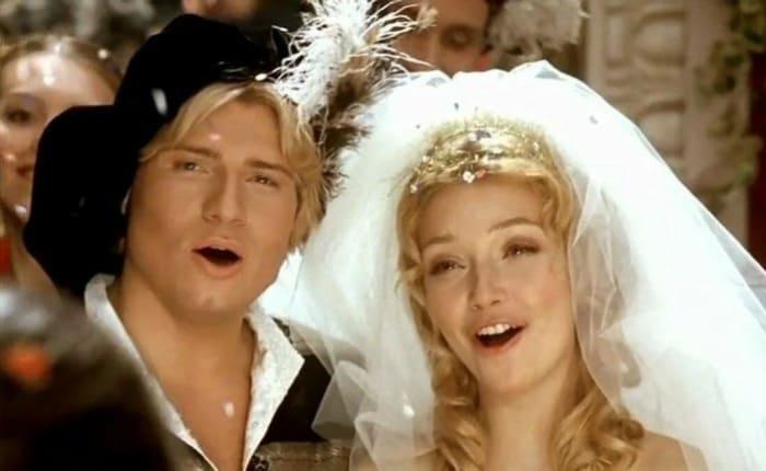 Николай Басков и Юлия Маврина в мюзикле *Золушка*, 2002 | Фото: nice-me.ru