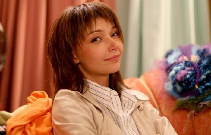 Юлия Маврина в сериале *Дочки-матери*, 2007 | Фото: kino-teatr.ru