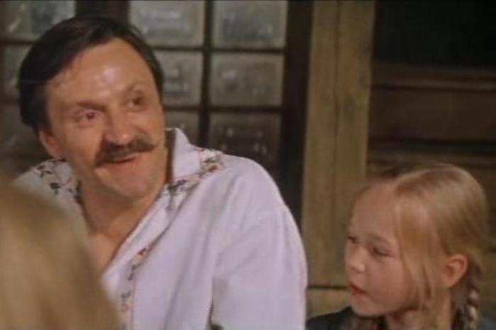 Кадр из фильма *А у нас была тишина…*, 1977   Фото: kino-teatr.ru