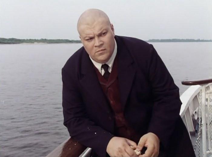 Юрий Думчев в фильме *Китайский сервиз*, 1999 | Фото: ru.kinorium.com