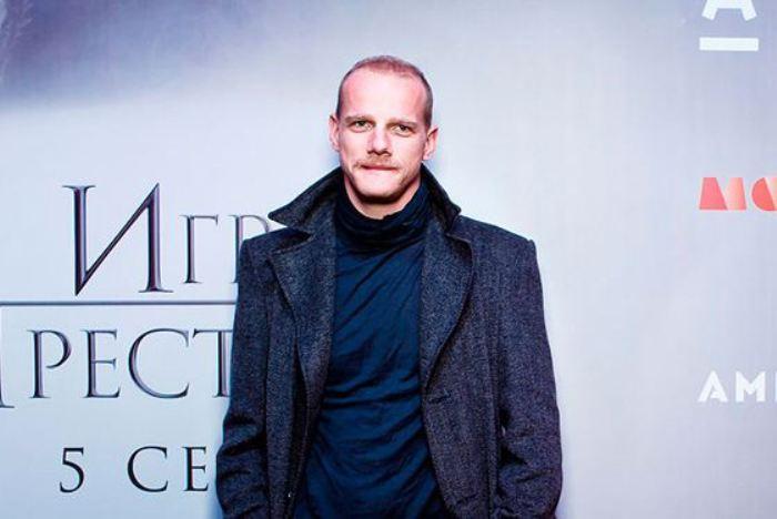 Актер на премьере пятого сезона *Игры престолов*   Фото: uznayvse.ru