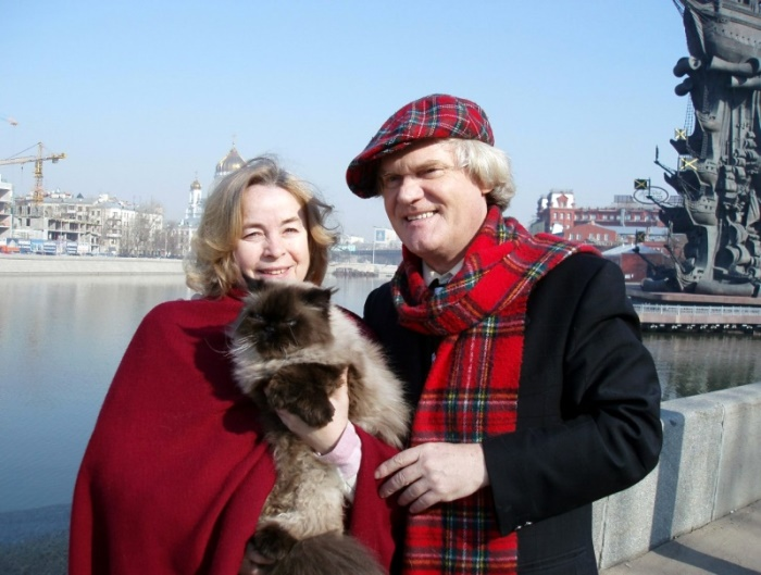 Юрий Куклачев с женой и одним из питомцев | Фото: udivitelno.com