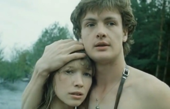 Юрий Мороз и Марина Левтова в фильме *Пацаны*, 1983 | Фото: kino-teatr.ru