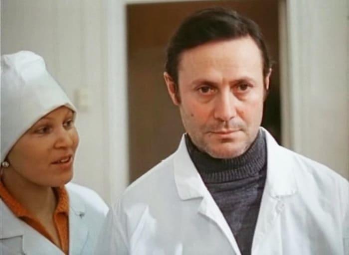 Юрий Соломин в фильме *Свет в окне*, 1980   Фото: kino-teatr.ru