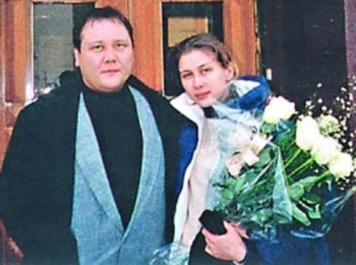 Актер с женой   Фото: stuki-druki.com