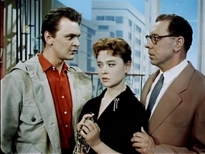 Кадр из фильма *Человек ниоткуда*, 1961 | Фото: kino-teatr.ru