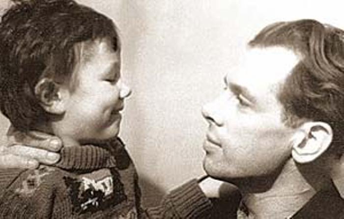 Актер с дочерью Еленой | Фото: k-markarian.livejournal.com