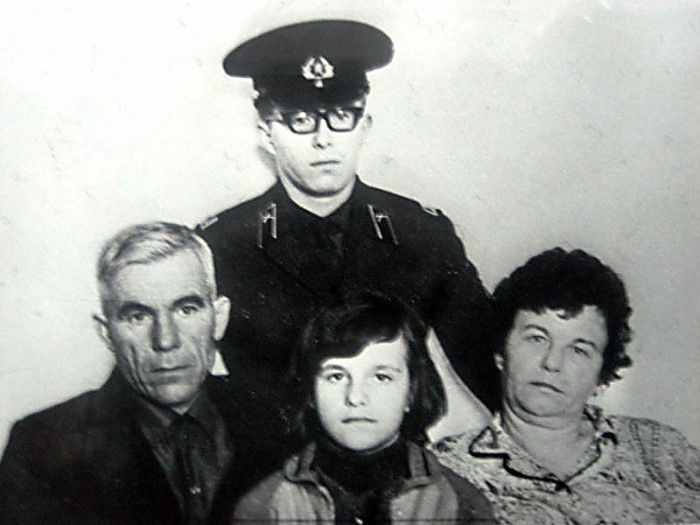 Иосиф и Зинаида с детьми Владимиром и Ниной   Фото: westki.info