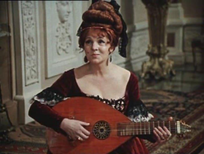 Зинаида Шарко в фильме *Собака на сене*, 1977 | Фото: kino-teatr.ru