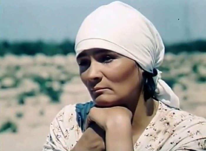 Кадр из фильма *Полоска Ð½ÐµÑÐºÐ¾ÑˆÐµÐ½Ð½Ñ‹Ñ Ð´Ð¸ÐºÐ¸Ñ Ñ†Ð²ÐµÑ'ов*, 1979 | Фото: kino-teatr.ru
