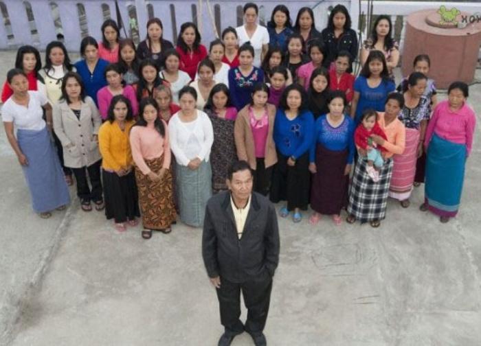 Индиец Зиона Чана и его 39 жен