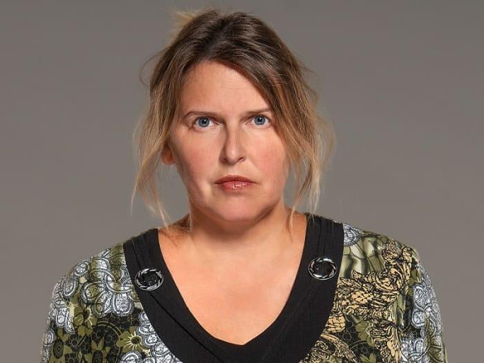 Актриса Зоя Кайдановская на съемках сериала *Колл-центр*, 2019 | Фото: kino-teatr.ru