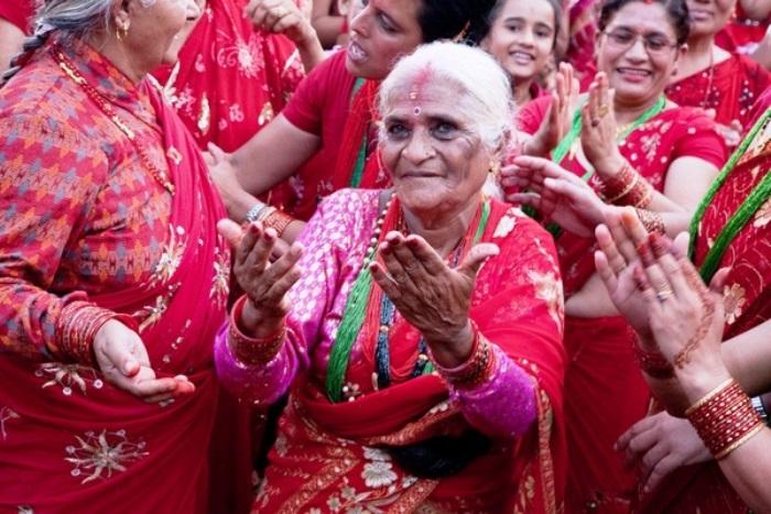На праздник семейного счастья приходят женщины всех возрастов
