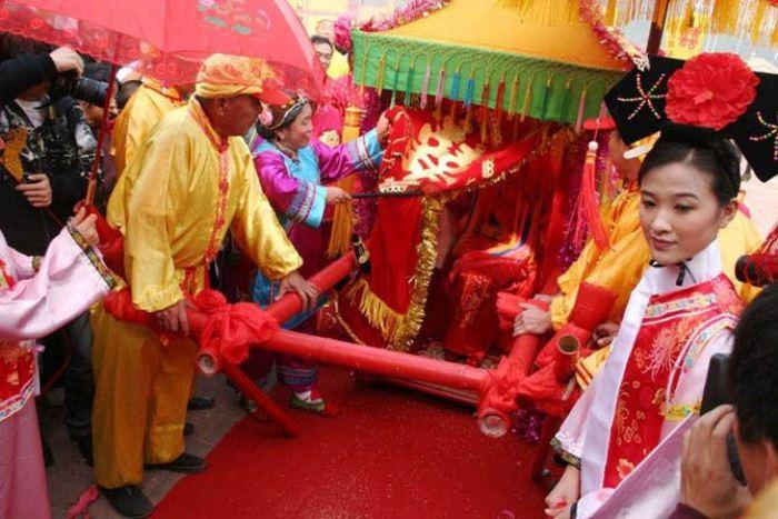 Свадебная повозка китайской невесты