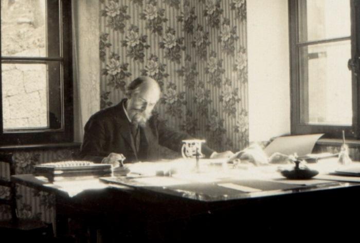 Николай Петрович Краснов - академик архитектуры, главный архитектор города Ялты, автор проекта Ливадийского дворца.