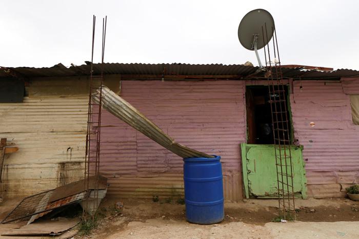 Оригинальное приспособление, которое позволяет собирать дождевую воду.