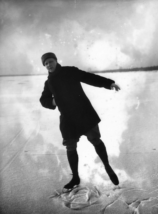 Фёдор Шаляпин на коньках.